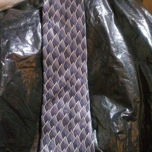 Dover Arrow 100% imported silk tie